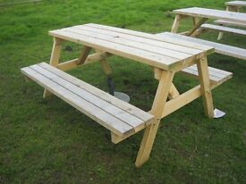 **NEW** VERY STURDY & STRONG, 8 SEATER WOODEN PICNIC BENCH~PLUS ORNATE STONE PARASOL BASE.DELIVERY