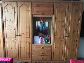 Oak wood wardrobe (OFFERS WELCOME)