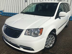 2015 Chrysler Town & Country *DVD PLAYERS-POWER SLIDING DOORS*