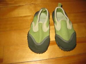 Old Navy child's water shoes Cornwall Ontario image 2
