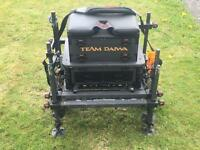 Team Diawa D300SB seatbox and accessories.