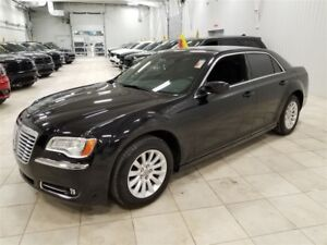 2014 Chrysler 300 Touring *BLUETOOTH, CRUISE CONTROL, A/C 2 ZONE