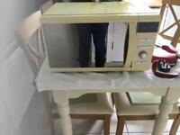 Russell Hobbs microwave in good condition
