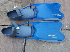 Tribord flippers x3 pairs