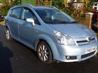 TOYOTA COROLLA VERSO D4D TSPIRIT 2.0 Blue 5 dr Hatchback Manual MOT to 09/2018 Very good condition