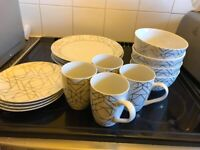 White and Gold Geomteric dinner set and mugs
