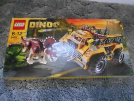 Lego Dino Set 5885 for age 6-12 years