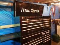 Mac tools tool box