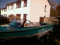 Mastercraft skier speedboat