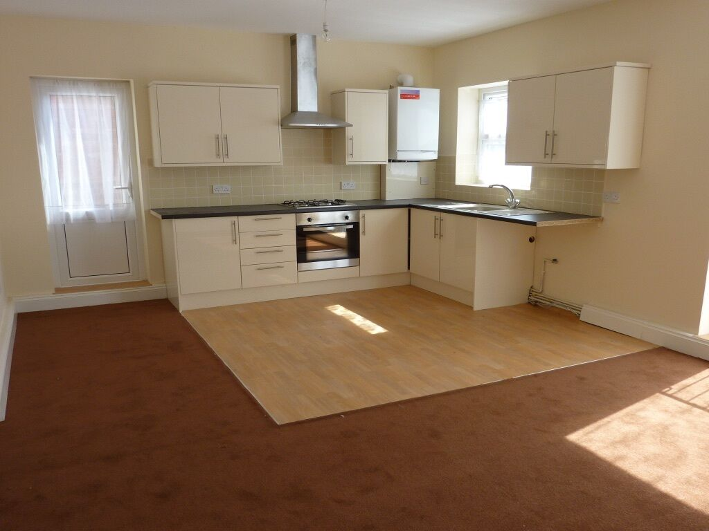 Cockfosters 2 bed To Let. AVAILABLE JANUARY. CLOSE TO ALL AMENITIES & TRANSPORT. En4 N14 EN2