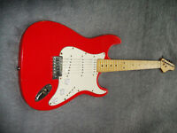 Stratocaster type guitar, great to learn on, fully working and ready to go!!