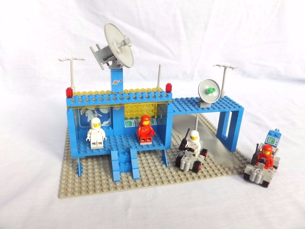 LEGO 926 – Vintage Space Command Centre
