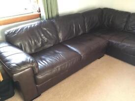 brown leather corner sofa (x Gillies)