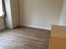 A BRAND NEW DOUBLE ROOM WITH BALCONY IN A FLAT SHARE CLOSE TO TWICKENHAM STATION & WHITTON-INC BILLS