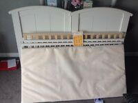 £25 - Cosatto Hogarth 3-in-1-cot-bed