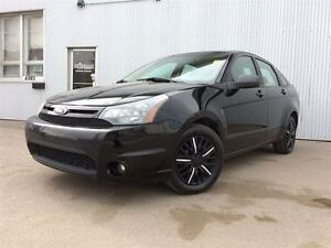 2010 Ford Focus SES, BLUETOOTH, LEATHER, SUNROOF.