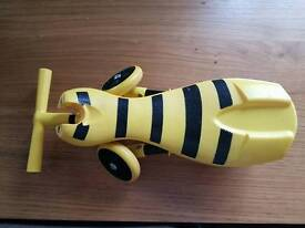 Bumble bee scuttle bug