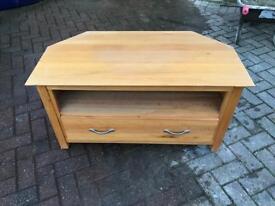 Solid oak tv cabinet in vgc £20