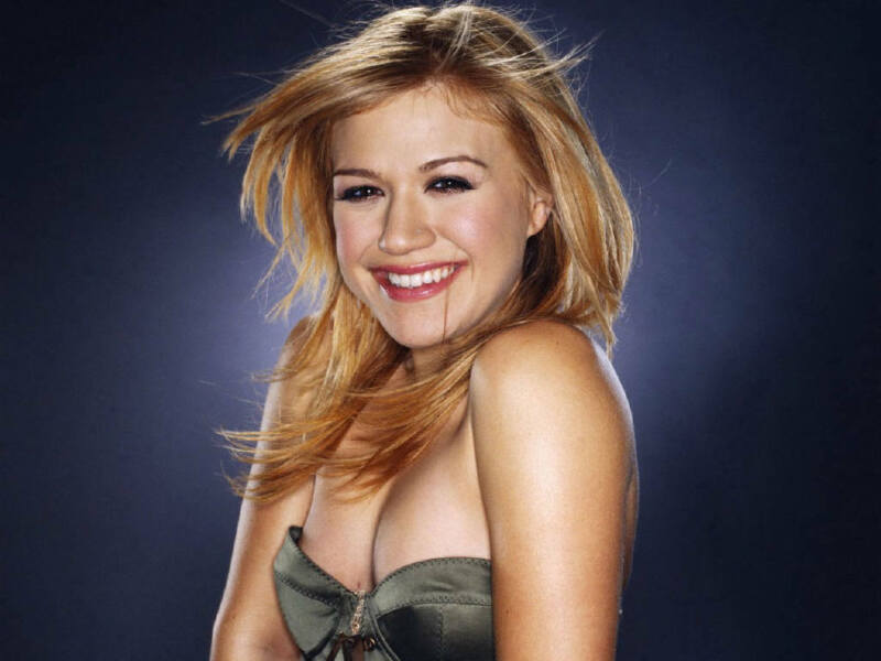 KELLY CLARKSON 8X10 GLOSSY PHOTO PICTURE