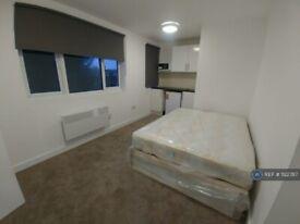 Studio flat in Hendon Way, London, NW2 (#1122787)