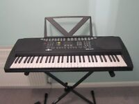Electric Keyboard . 96cm x 38cm 5 octaves. Ideal starter keyboard.