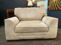 Cuddle chair b