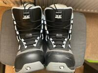 Snowboard boots, size 6