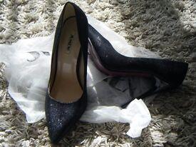 Glittery brand new heels size 5