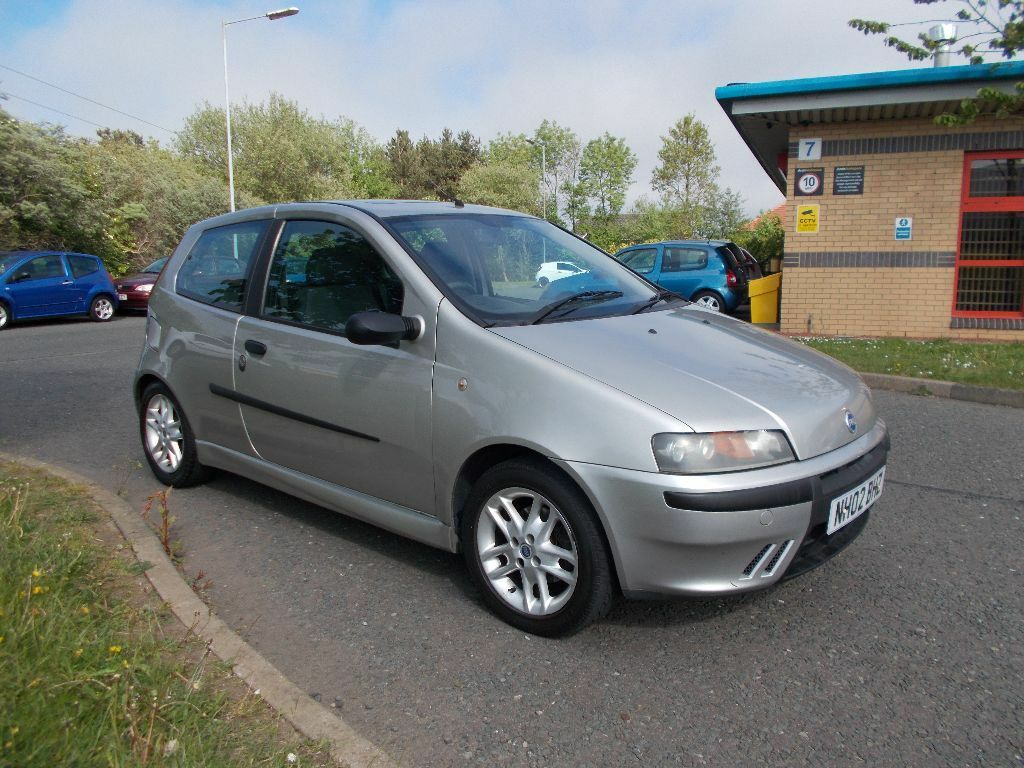 fiat punto 1 2 sporting 3 door hatchback silver 2002 only 82k miles bargain 350 look px. Black Bedroom Furniture Sets. Home Design Ideas