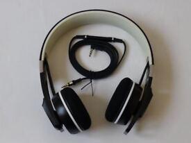 Sennheiser Urbanite Headphones. Black / White