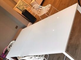 Very Good Condition: White Rio Extending Dining Table, Seats 6-8 People, 4 White Zach Dining Chairs