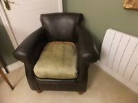 Gentleman's Club Chair in Brown Leather