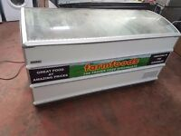 Curved Lid Novum 601L CHEST FREEZER, CATERING COMMERCIAL FREEZER, fully working