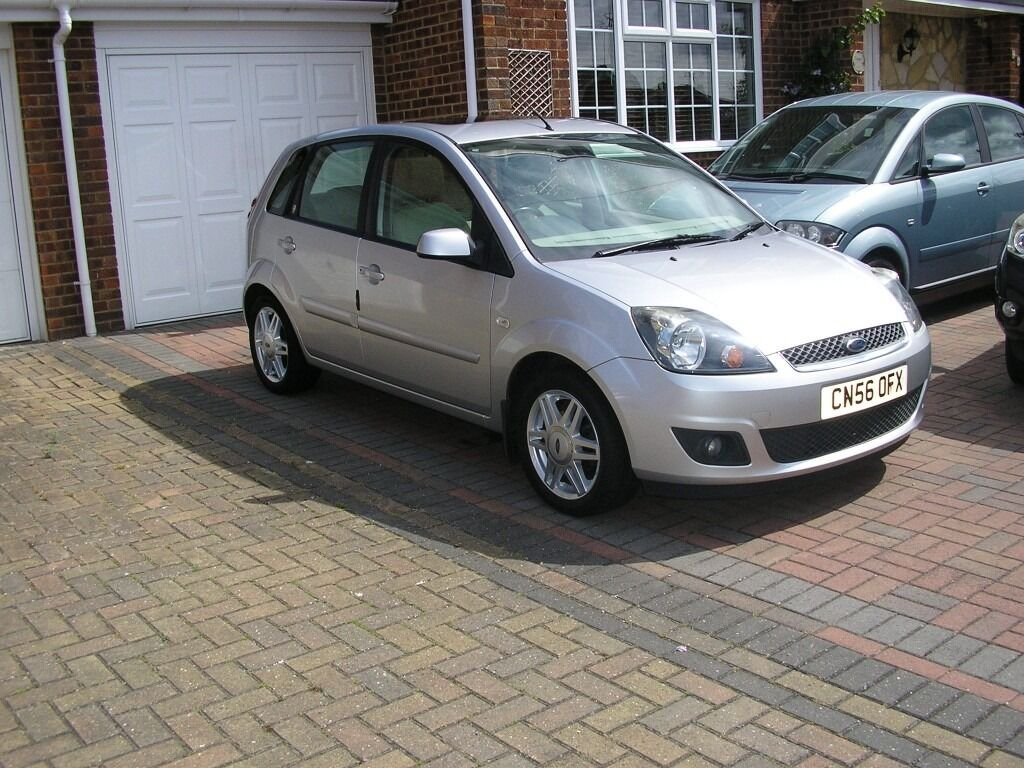 2006 ford fiesta ghia 1 4 tdci met silver 5door 79000 miles only 30 a year tax in. Black Bedroom Furniture Sets. Home Design Ideas