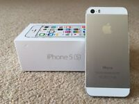 Apple Iphone 5s in Silver. Good working condition, with brand new headphones