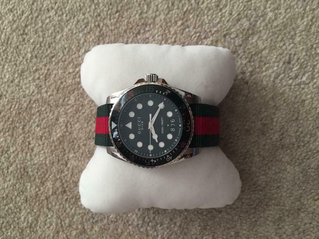 9049c8e142d Men s Gucci Dive XL YA136208 As Brand New