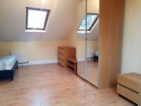 £450 / w - Two bedroom flat inclusive of gas and water bills, W6