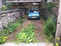 Off street parking for 2x cars in Leith