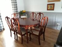 TABLE & 6 CHAIRS (EXTENDING)