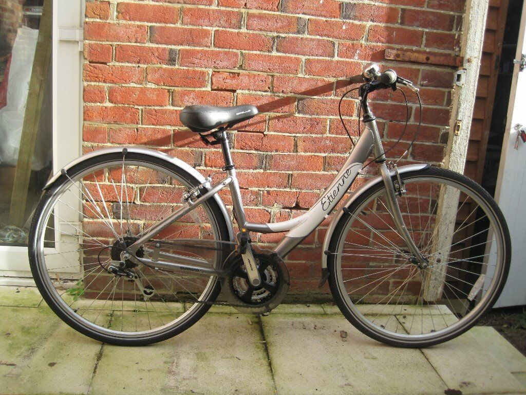 Ladies Apollo St Etienne bicycle Excellent condition