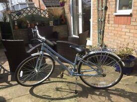 Ladies Claude Butler Windermere Hybrid Bicycle