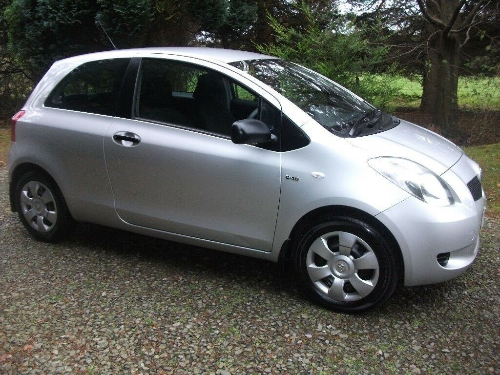 immaculate new model toyota yaris d4d 30 road tax cheap trade in welcome in belfast city. Black Bedroom Furniture Sets. Home Design Ideas