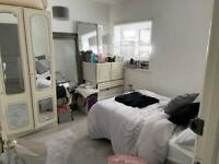 4 Bedrooms House is available to rent in UB7 West Drayton