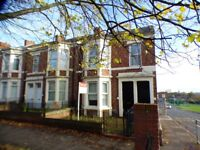 Benwell,Newcastle. 3 Bed Immaculate end of terrace Upper Flat. No bond! Dss welcome!