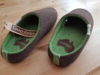 Gumbies Outback Slippers, size 9 (43)