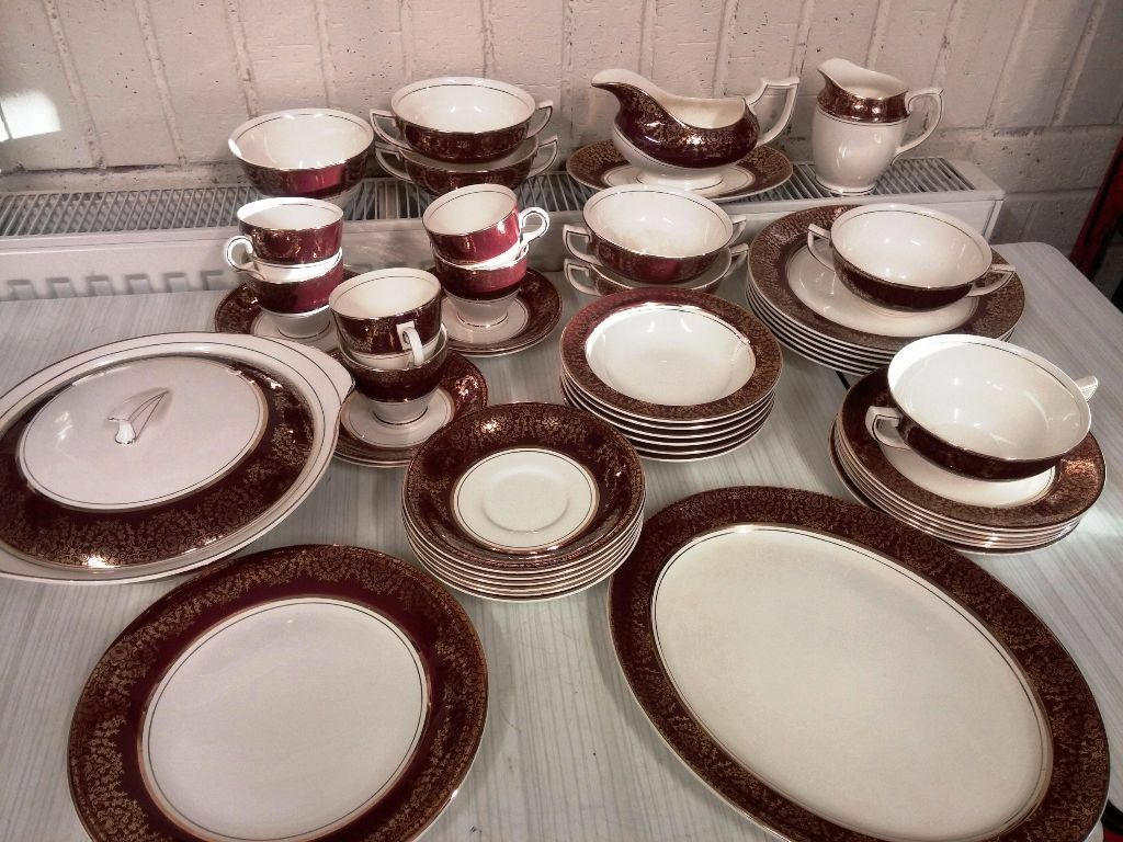 Crownford Burslem China 48 Piece Dinner Set For 6 People