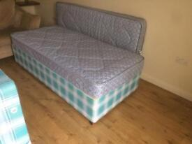 2 single beds as new £30 each