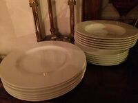 New Villeroy Boch Royal dinner set