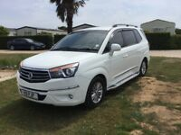 Ssangyong Turismo EX Automatic white