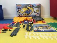 Meccano Sonic the Hedgehog Construction Set - Sonic and Knuckles Chemical Plant Racing Tracks